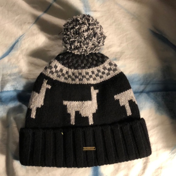 Madewell Accessories - Madewell wool Snow hat with Llamas 500353bb5563